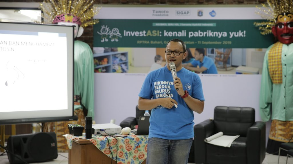 Sukanto Tanoto's Organization Enables Parents to Approach Breastfeeding